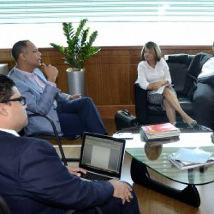 Director de OPTIC reunido con representantes del MAP
