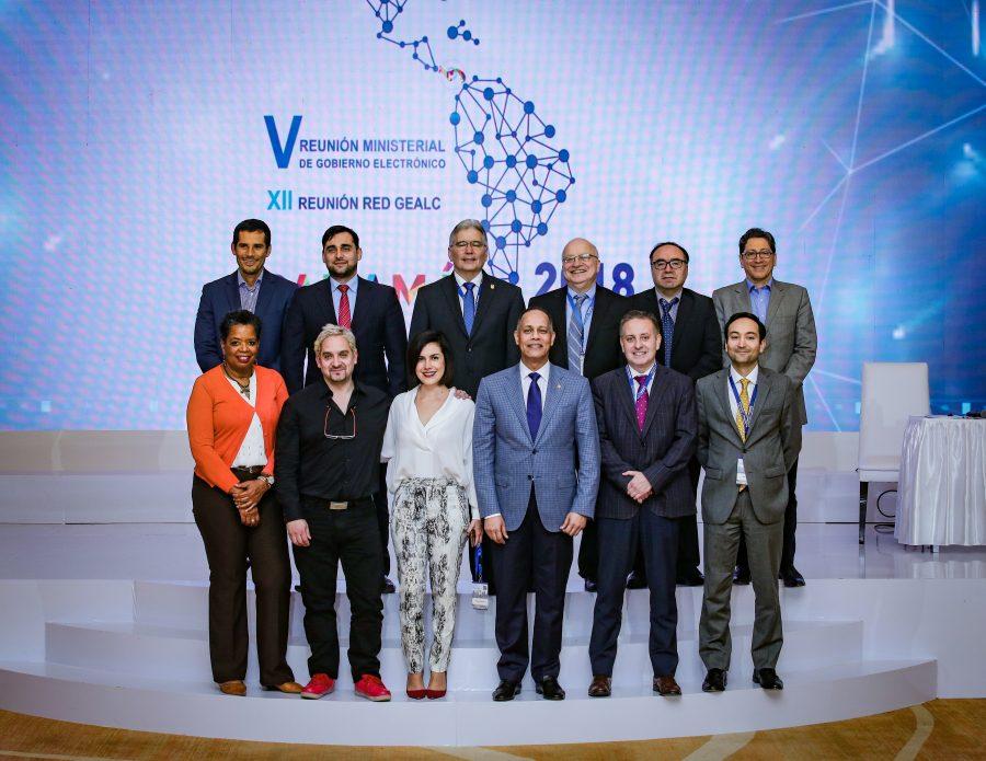 Director de la OPTIC junto a miembros de la OEA, BID y gerencia de la RED GEALC