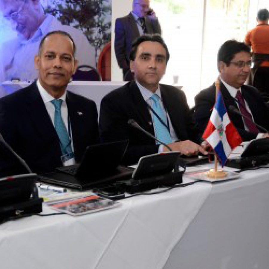 Director de la OPTIC junto a miembros de la RED GEALC