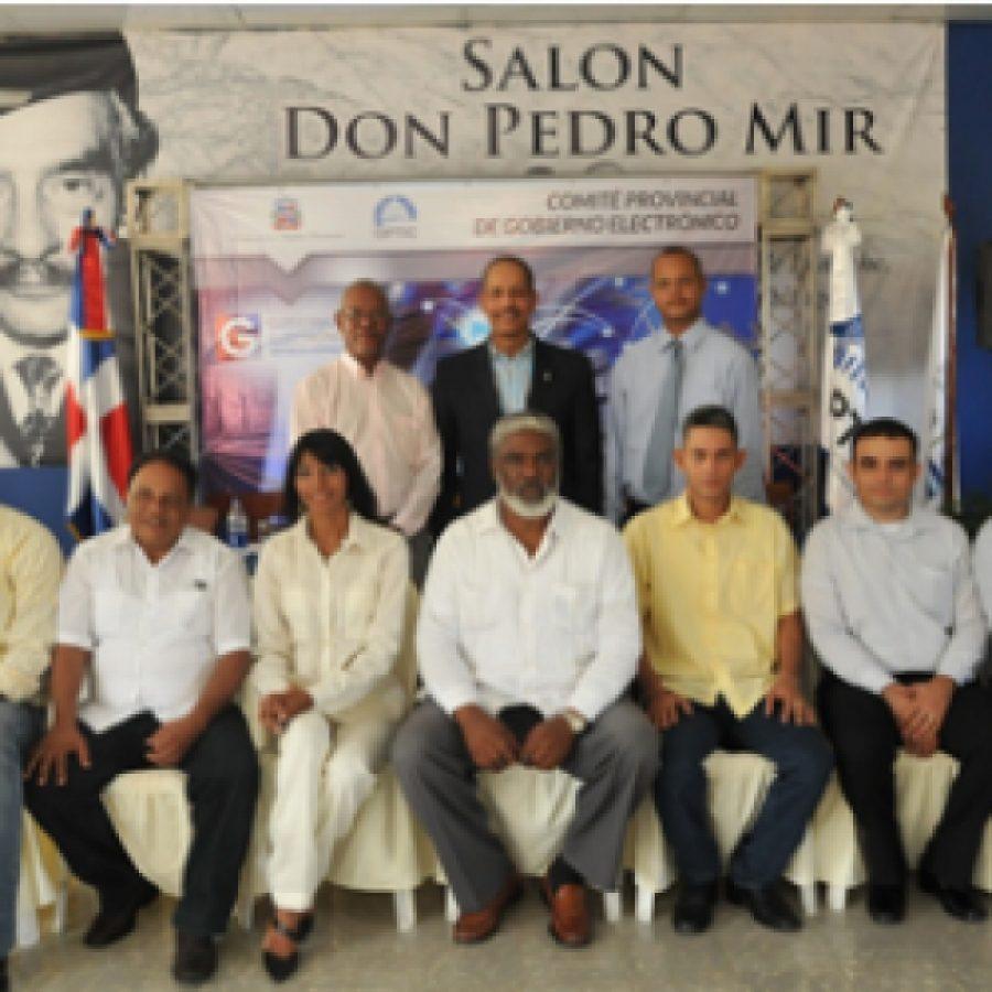 Director de OPTIC juramenta miembros del comité provincial