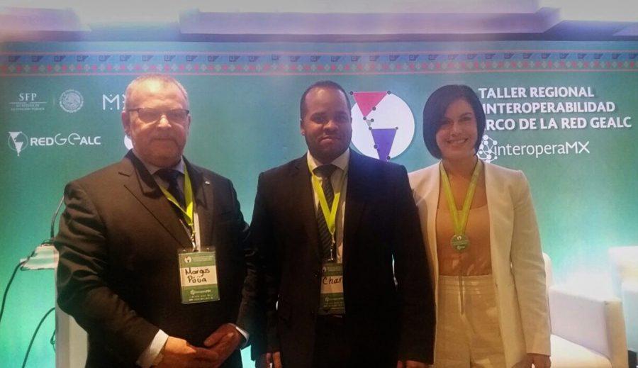 Director de TI de OPTIC junto a miembros de la RED GEALC