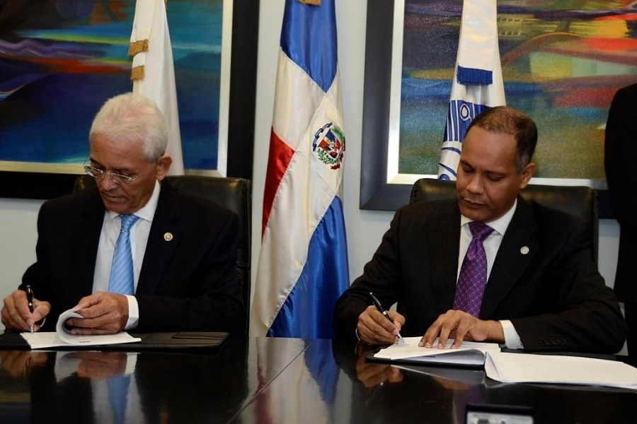 Director de OPTIC y director del SIE firman acuerdo