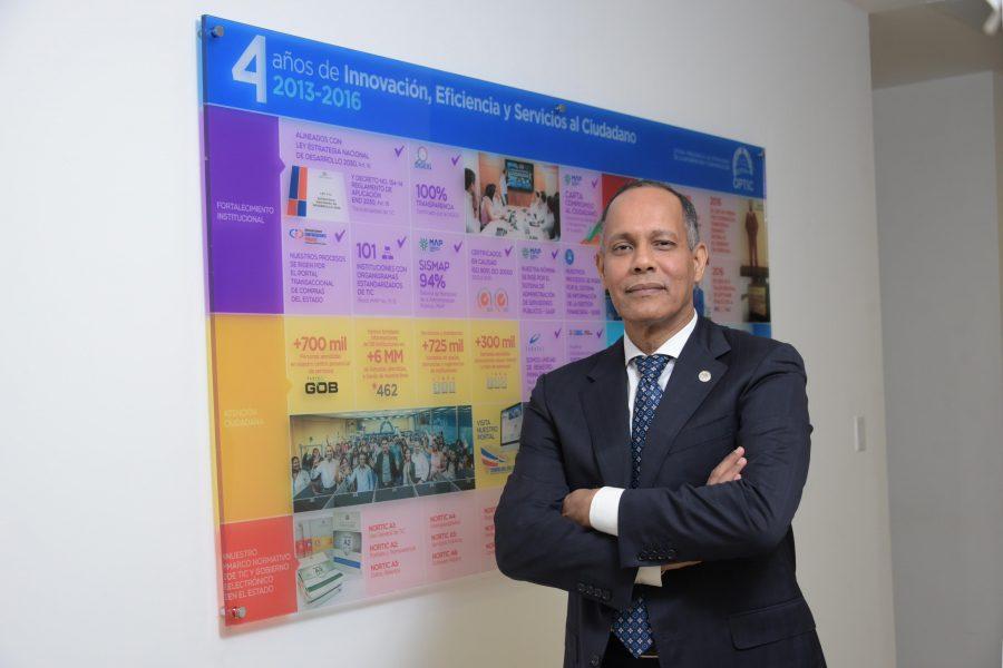 Director de la OPTIC, Ing. Armando García