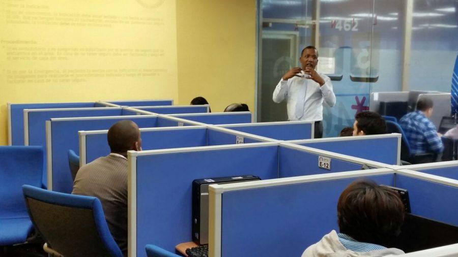 Salón de entrenamientos del Centro de Contacto Gubernamental