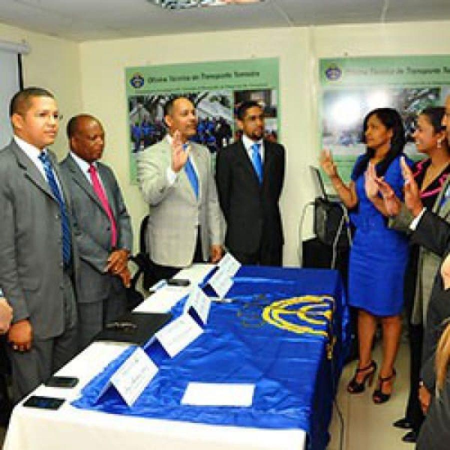 Director de la OPTIC juramenta a miembros del comité CAMWEB de la OTTT