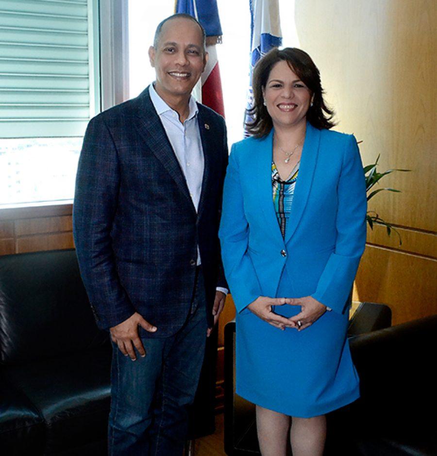 Director de OPTIC junto a directora del INAP