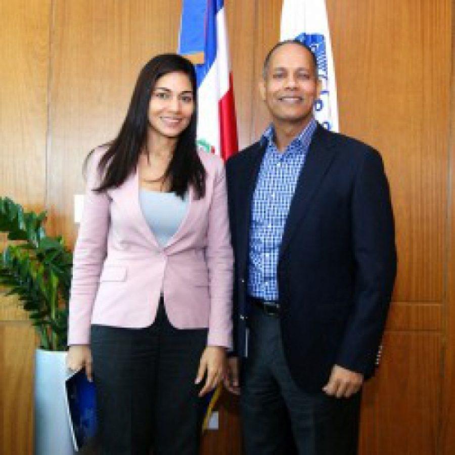Director de OPTIC junto a representante de la cámara de diputados