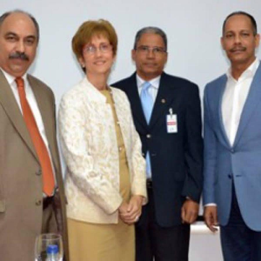 Director de OPTIC y CEDAF firman acuerdo de cooperación