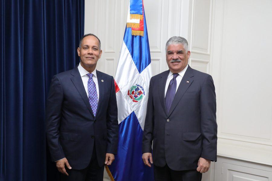 Director de la OPTIC y Ministro de Relaciones Exteriores
