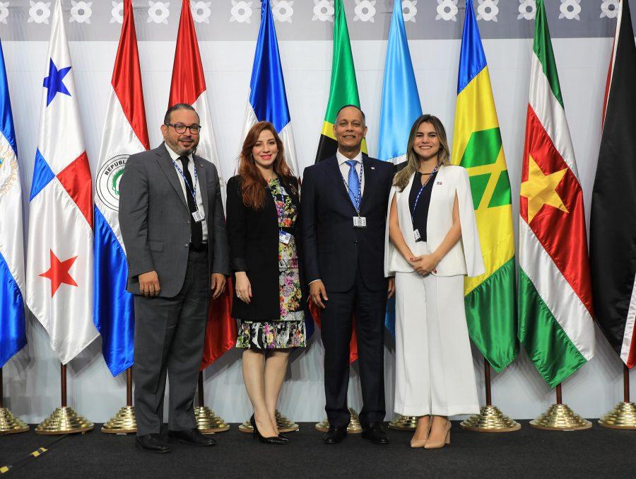 Director de la OPTIC junto a representantes de la OEA